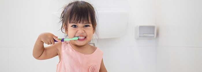 Aprovecha la cuarentena para  enseñar a los más pequeños a mantener limpia y sana su sonrisa